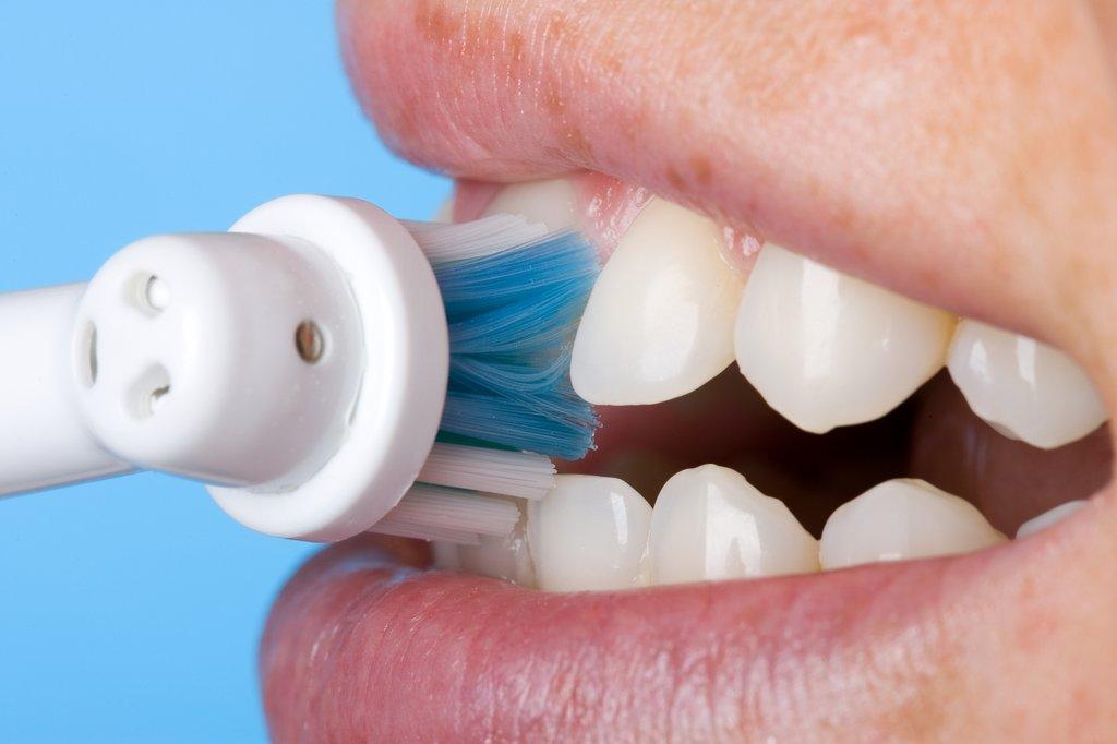 Чем лечили зубы в домашних условиях