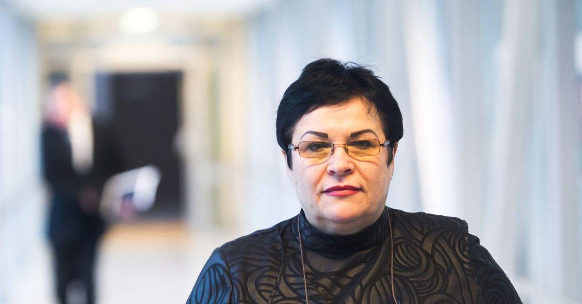 Švietimo ministrė pitrėnienė biografija