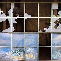 Išdaužti langai