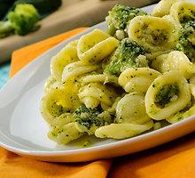 """""""Orecchiette"""" makaronai su avinžirniais ir brokoliais (rabe)"""