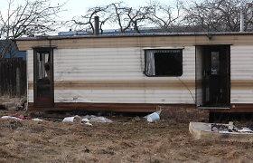 Vilniuje užsidegė namelis ant ratų, sužaloti du žmonės