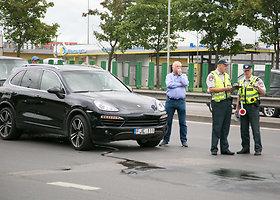 Vilniaus centre vienas po kito susidūrė 4 automobiliai