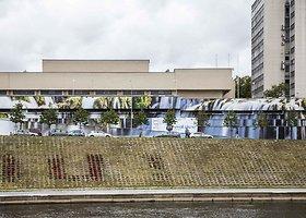 """Pristatytas didžiausias """"Vilnius Street Art"""" kūrinys – """"Juozapavičiaus krioklys"""" Neries krantinėje"""