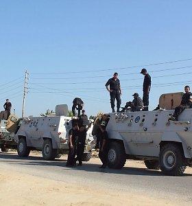Sinajuje per pakelės bombų sprogimus žuvo 10 egiptiečių karių