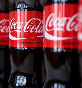 """""""Coca-Cola"""" Lietuvoje atleidžia 64 darbuotojus"""