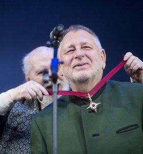 """""""Auksiniai scenos kryžiai"""": geriausiu režisieriumi pripažintas G.Krämeris, už gyvenimo nuopelnus pagerbtas R.Adomaitis"""