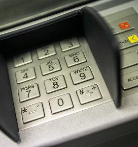 Mokėjimo kortelę bankomate palikusi emigrantė Lietuvoje pasijuto apiplėšta
