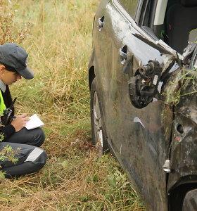 Pirmadienį keliuose įvyko 11 eismo įvykių, žuvo 1 žmogus