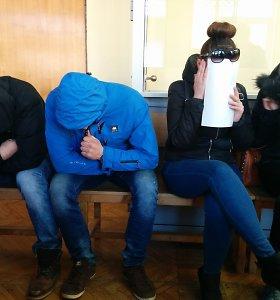 Švėkšnos prostitucijos byla: po nuosprendžio drauges pardavinėjusios merginos glėbesčiavosi