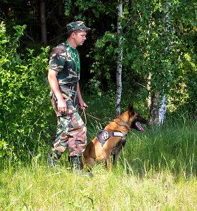 Komskių versija bliūkšta: tarnybinis šuo Ramzis nušautas tuomet, kai ieškojo pėdsakų, o ne puolė