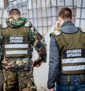 Pareigūnai bando išsiaiškinti, ką Vilniaus pakraštyje aptiko – aliejų, dyzeliną ar alkoholį