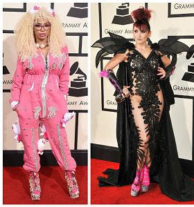 """Stiliaus katastrofa ant """"Grammy"""" raudonojo kilimo: ir ką jos sau galvojo?"""