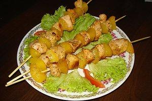 Viščiuko krūtinėlės ir persikų šašlykai (Janinos M. receptas)