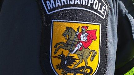 Marijampolės policija nutraukė vestuves – pasirašyti nespėjusiam jaunikiui uždėjo antrankius