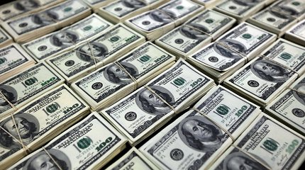 Rusai jau seniai nepirko tiek daug dolerių