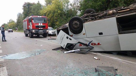 Viliaus Stankevičiaus nuotr./Autobuso avarija Raseinių rajone