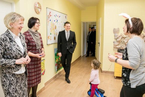 """Vilniaus miesto savivaldybės nuotr./Antakalnyje atidarytas valstybinis darželis """"Žolynas"""""""