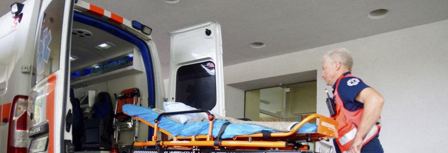 Iškreiptų veidrodžių karalystė: ligoninių vadovai ministrui A.Verygai rėžia į akis teisybę