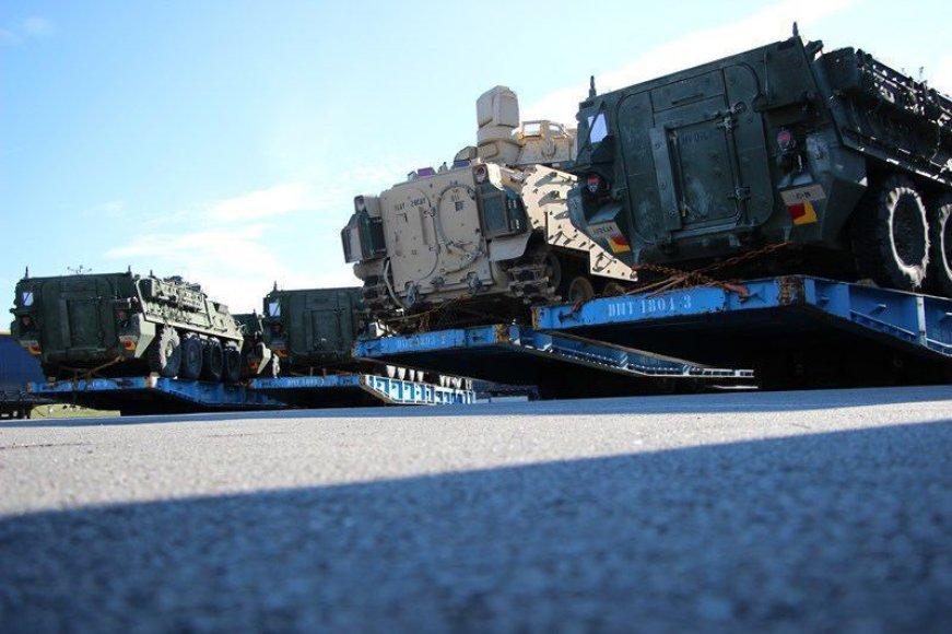 JAV karinė technika į Gaižiūnus bus atgabenta geležinkeliais