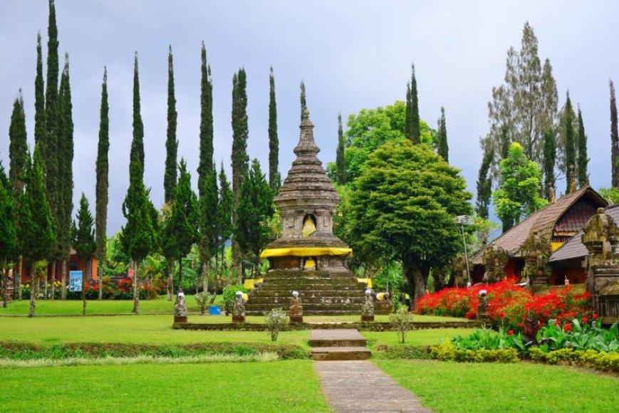 Balis dar vadinamas šventyklų miestu.