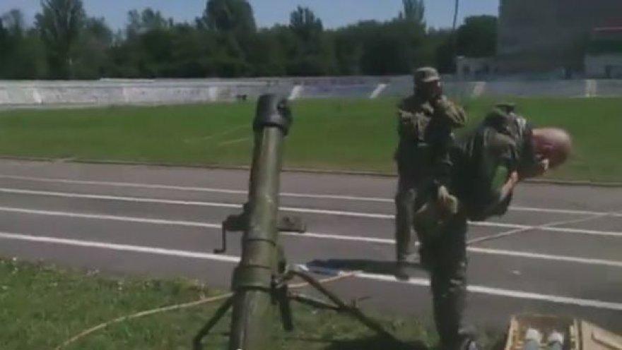 Šachtarske teroristai filmavo, kaip miesto centre šaudo iš minosvaidžio