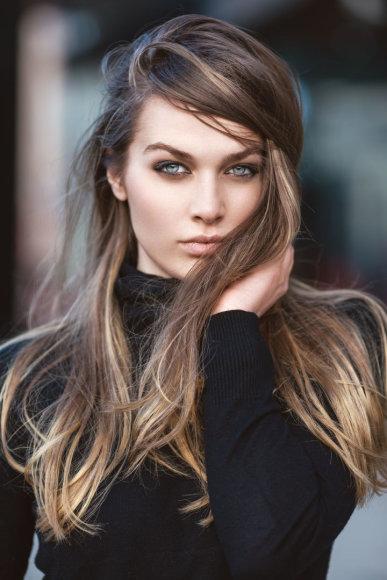 Vida Press nuotr./Moteris ilgais plaukais