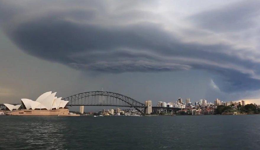 Sukūrinės audros superakis Australijoje
