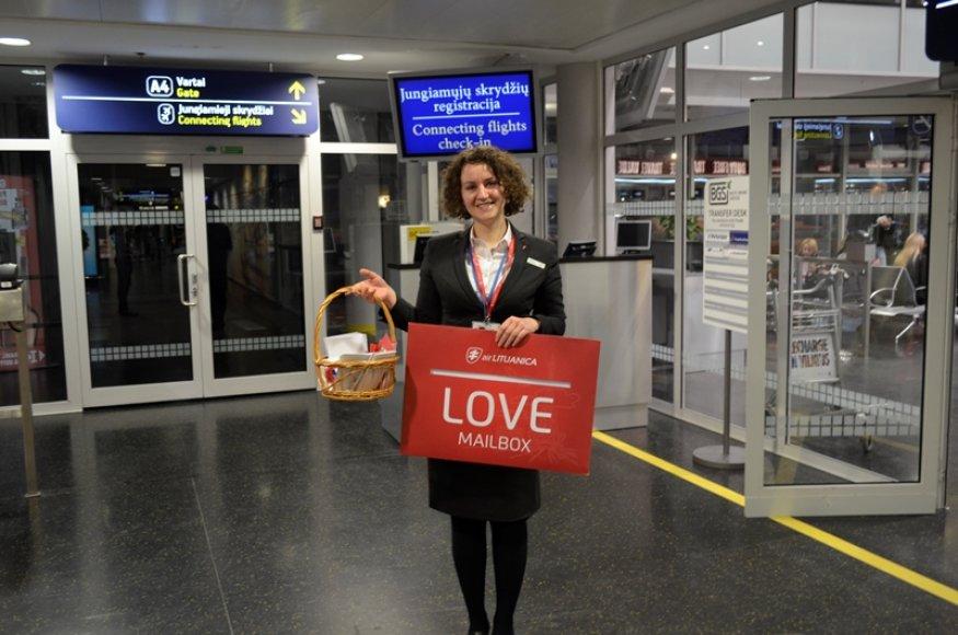 """Meilės dieną """"Air Lituanica"""" sujungė Vilnių ir Paryžių"""