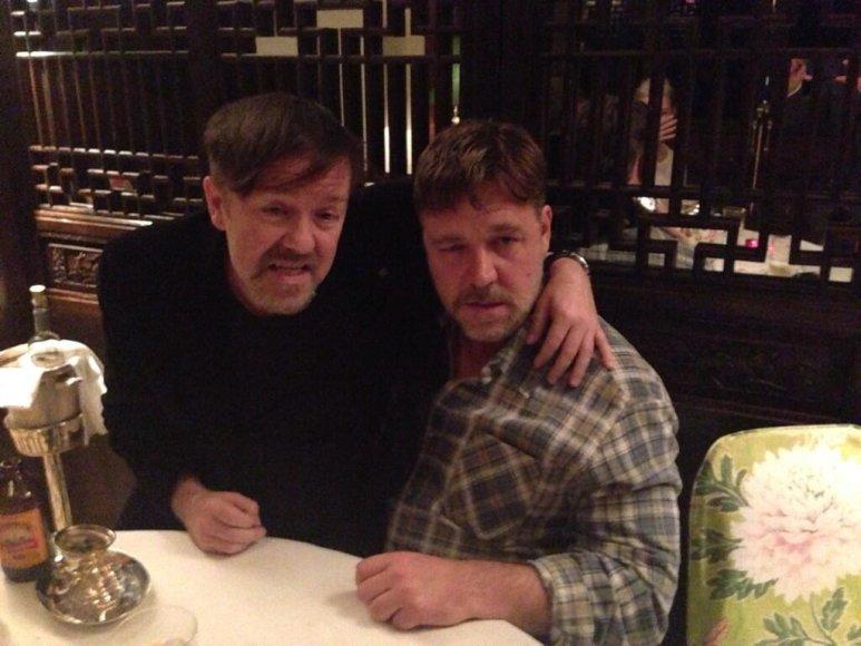 Ricky Gervaisas ir Russellas Crowe
