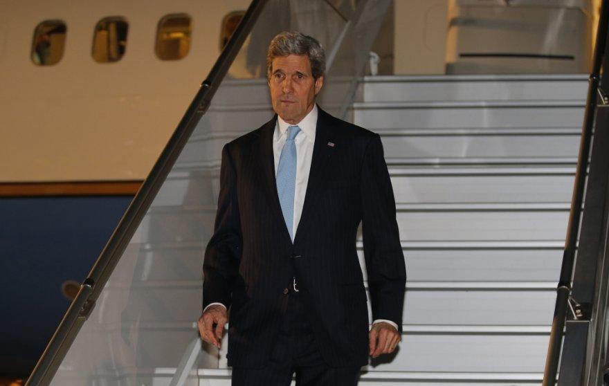 JAV valstybės sekretorius Johnas Kerry atvyko į Ženevą, kur prasideda keturšalės derybos dėl situacijos Ukrainoje