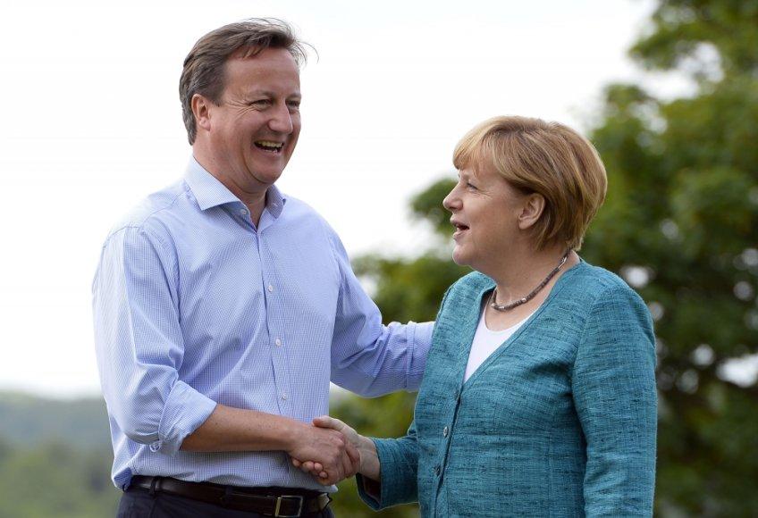 Didžiosios Britanijos premjeras Davidas Cameronas ir Vokietijos kanclerė Angela Merkel