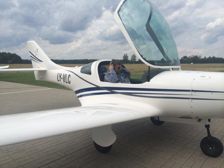 Marius Jampolskis ruošiasi skrydžiui