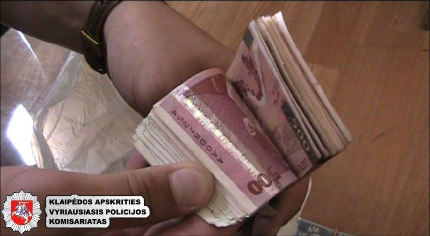 Iš verslininkės pavogtus pinigus taksistas leido lošimo namuose