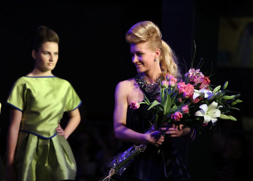 Ilona Jermolajeva ir jos kolekcijos modelis