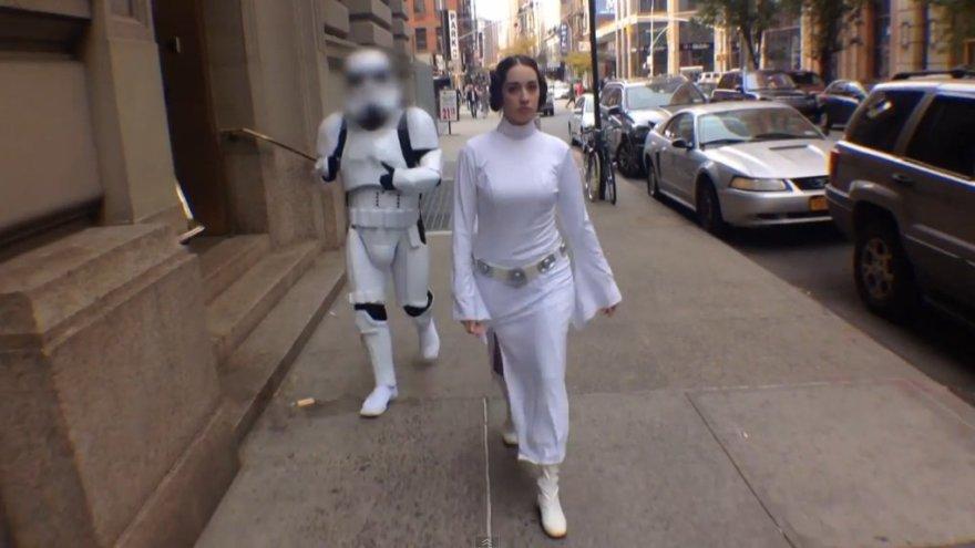 """Parodija """"Ką reiškia būti princese Lėja Niujorko gatvėse"""""""