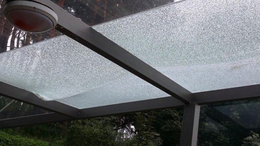 Suniokotas stiklas