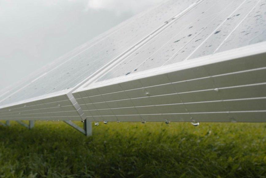 aplyta saulės baterijų elektrinė