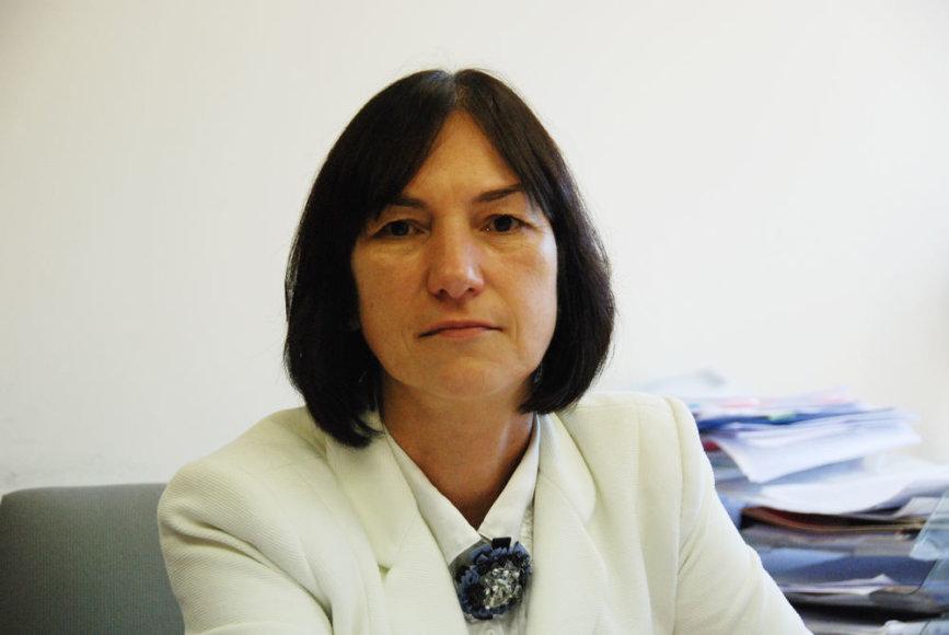 LR Ūkio ministerijos ES paramos koordinavimo departamento direktorė Rita Armonienė: Europos Sąjungos finansavimas nėra vien tik tiesioginė piniginė parama. ES skiriamos lėšos kuria didelę pridėtinę vertę, padeda taupyti valstybės lėšas, pritraukti užsienio investicijų, skatina eksportą ir inovacijų