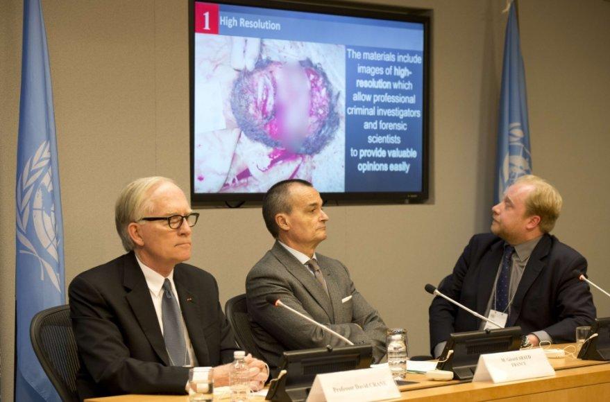 JT pristatyta ataskaita apie žiaurumus Sirijoje. Pranešėjai Davidas M.Crane'as, Gerard'as Araud ir Stuartas J.Hamiltonas