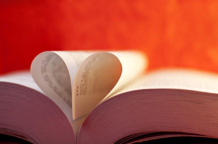 Širdelė knygos lapuose