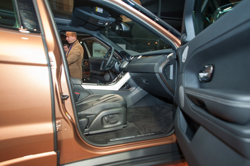 """""""Range Rover Evoque"""" pristatymas """"Inchcape"""" salone"""