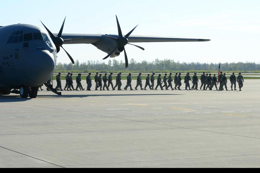 Dauguma Lietuvos visuomenės pritaria nuolatiniam NATO pajėgų buvimui Lietuvos teritorijoje.