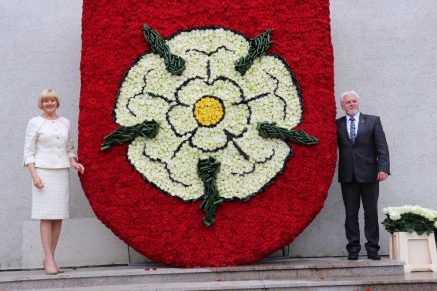 Miesto šventės proga Alytus pasipuošė įspūdingu gyvų gėlių herbu