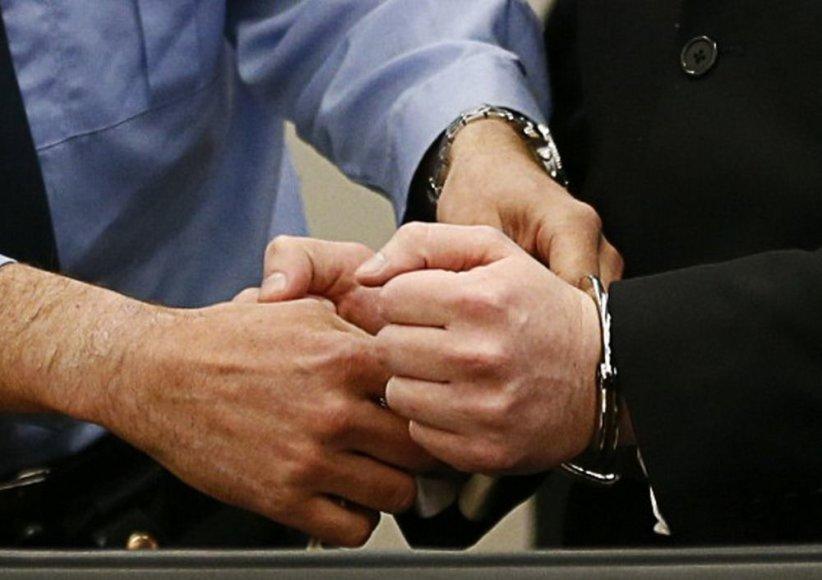 Andersui Behringui Breivikui teisme nuimami antrankiai