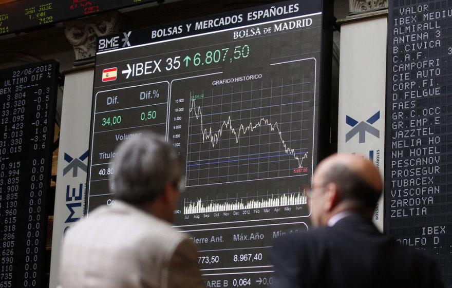 Ispanijos finansų sistema nesugeba pati įveikti krizės.