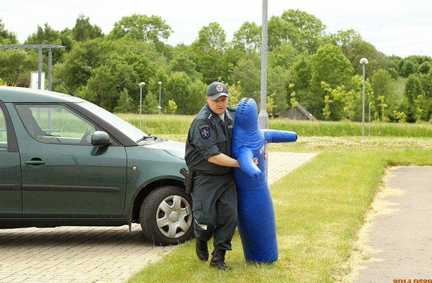 Geriausi viešosios policijos pareigūnai 2014 m.