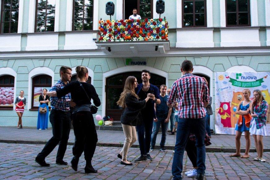 Balkonas tapo ir šokių aikštele, ir scena