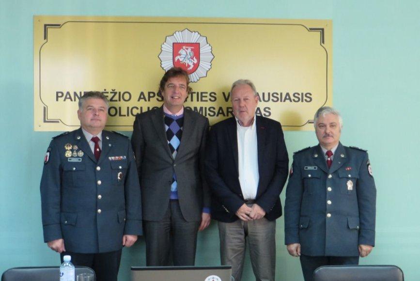 Rene Verhulstas (antras iš kairės) ir kiti susitikimo dalyviai