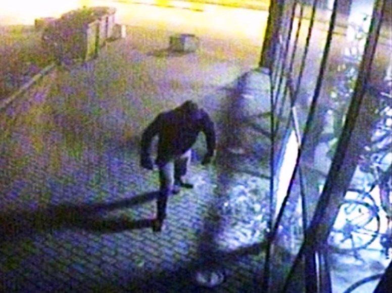 Vaizdo kameros užfiksavo vandalą Klaipėdoje