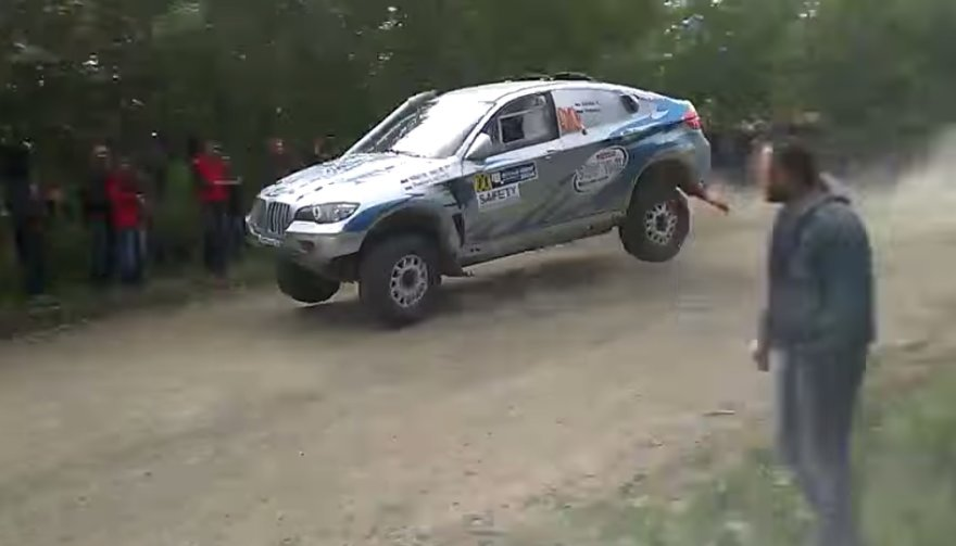 BMW X6 avarija